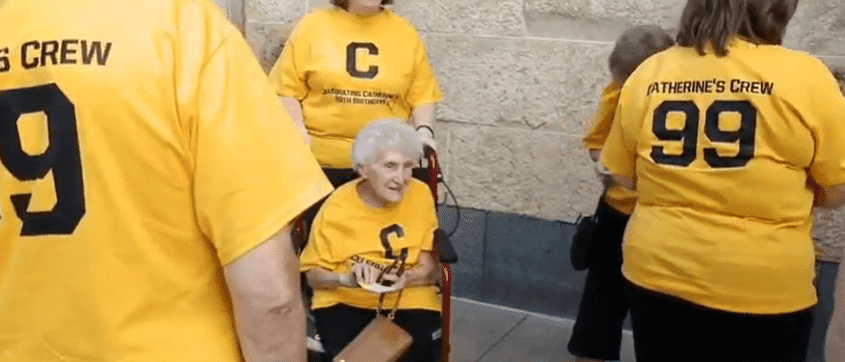 99-yer-old woman finally saw the Pirates play for the first time thanks to her family | Photo: YouTube/ CBS Pittsburgh