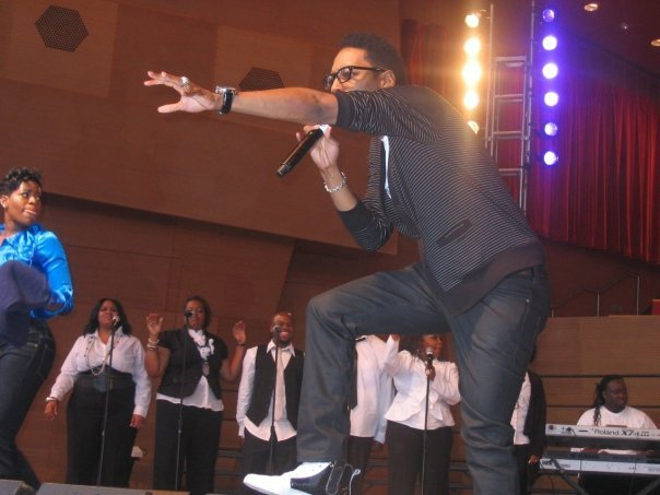 Deitrick Haddon's energetic performance on stage with backup singers on June 2019   Photo: Wikimedia Commons