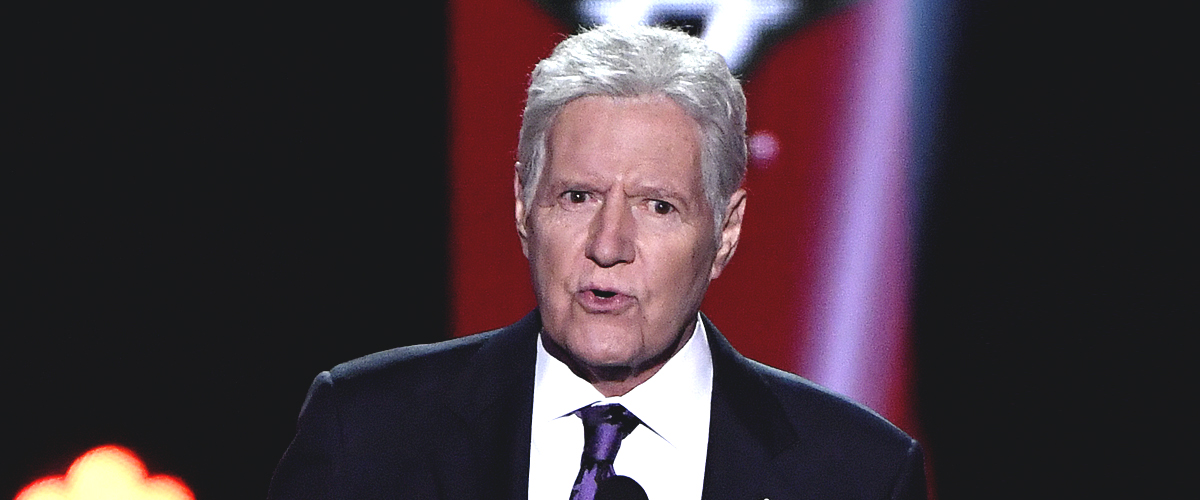 Alex Trebek Receives a Standing Ovation at the NHL Awards and Gives a Health Update