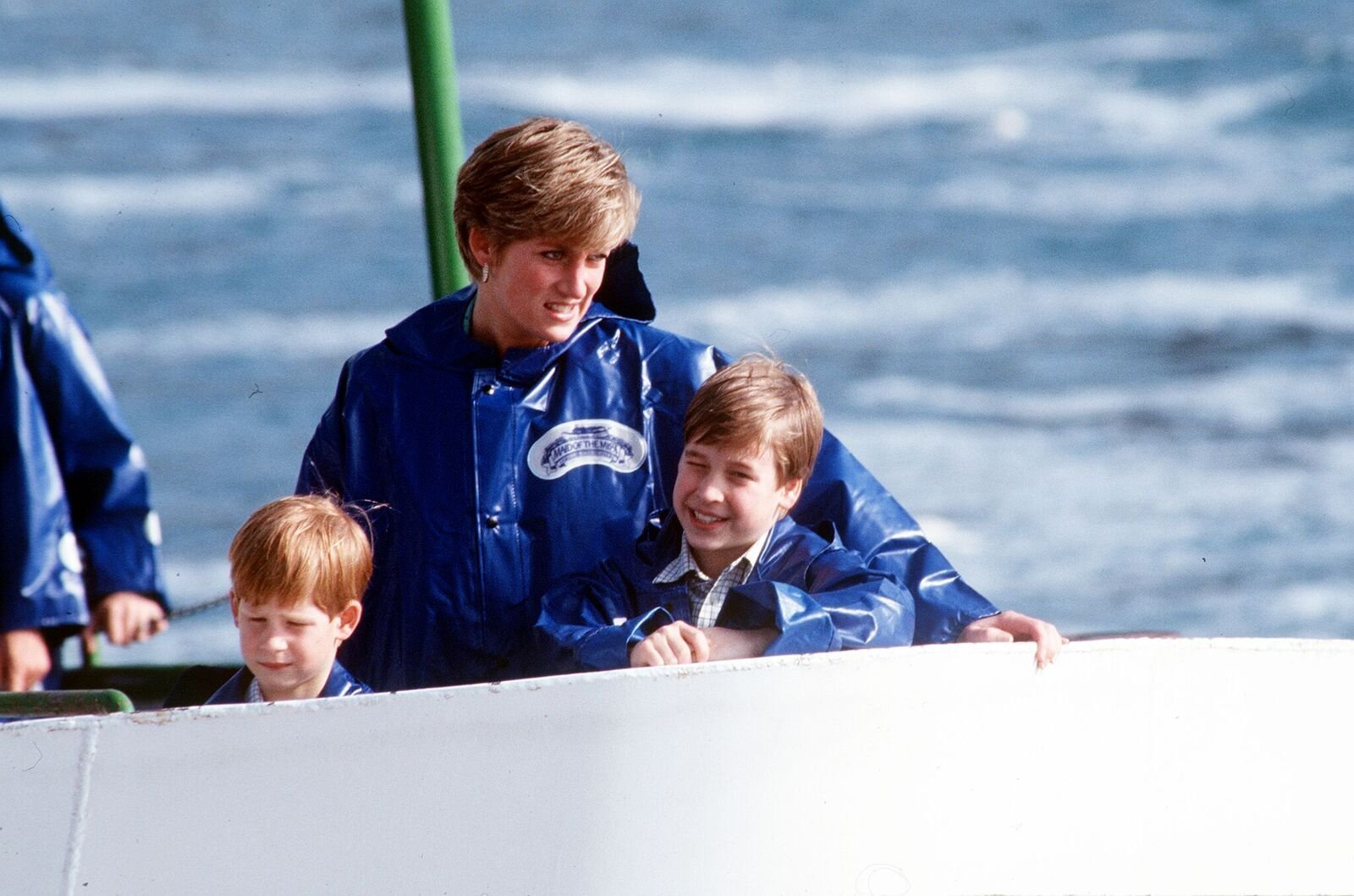 Princess Diana with young Prince Williams and Prince Harry | Photo: Getty Images