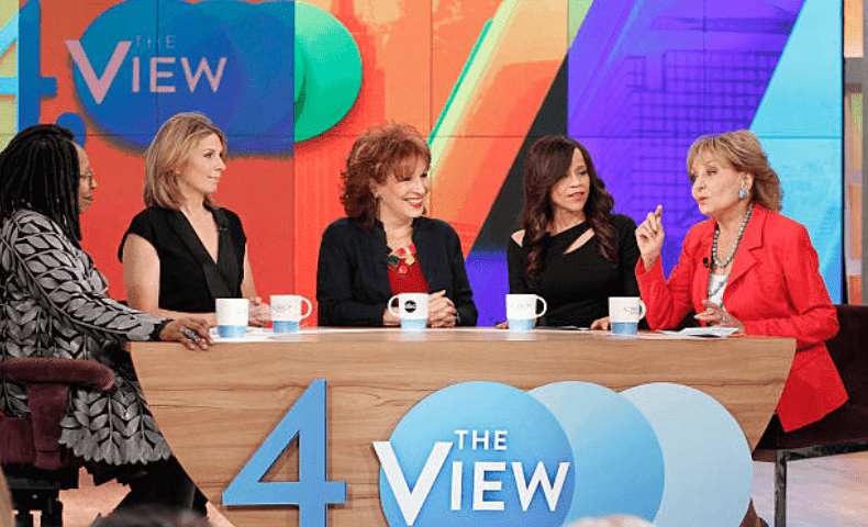 """The View"" celebrates 4000 shows. On the stage Barbara Walters is joined by Joy Behar, Elisabeth Moss, Whoopi Goldberg, aired on March 27, 2015, Walt Disney Television 