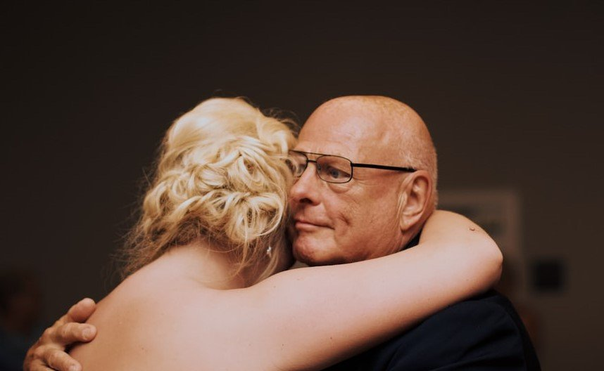 Annie and her father were reconciled   Source: Unsplash