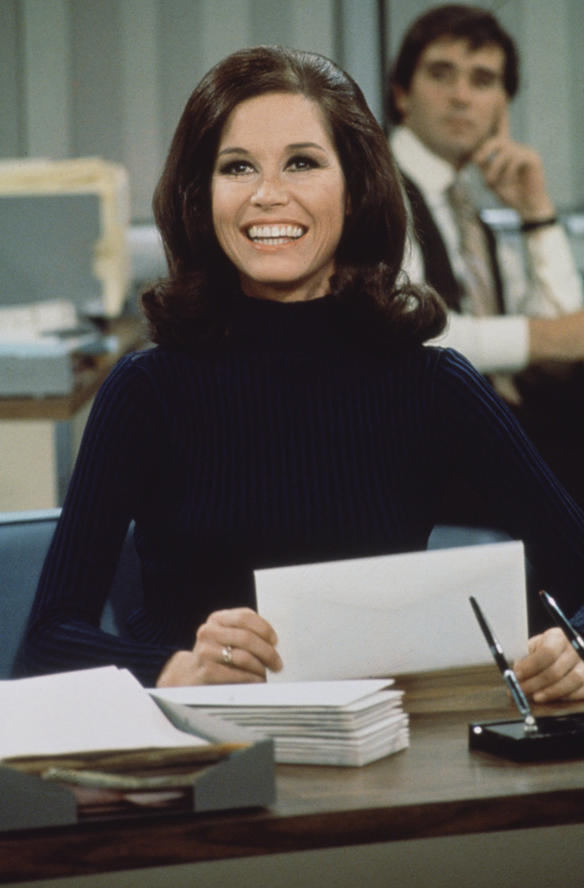 Mary Tyler Moore in a scene from 'The Mary Tyler Moore Show', Los Angeles, California, 1970 | Source: Getty Images