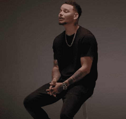 """Kane Brown performs """"Stand by Me"""" 
