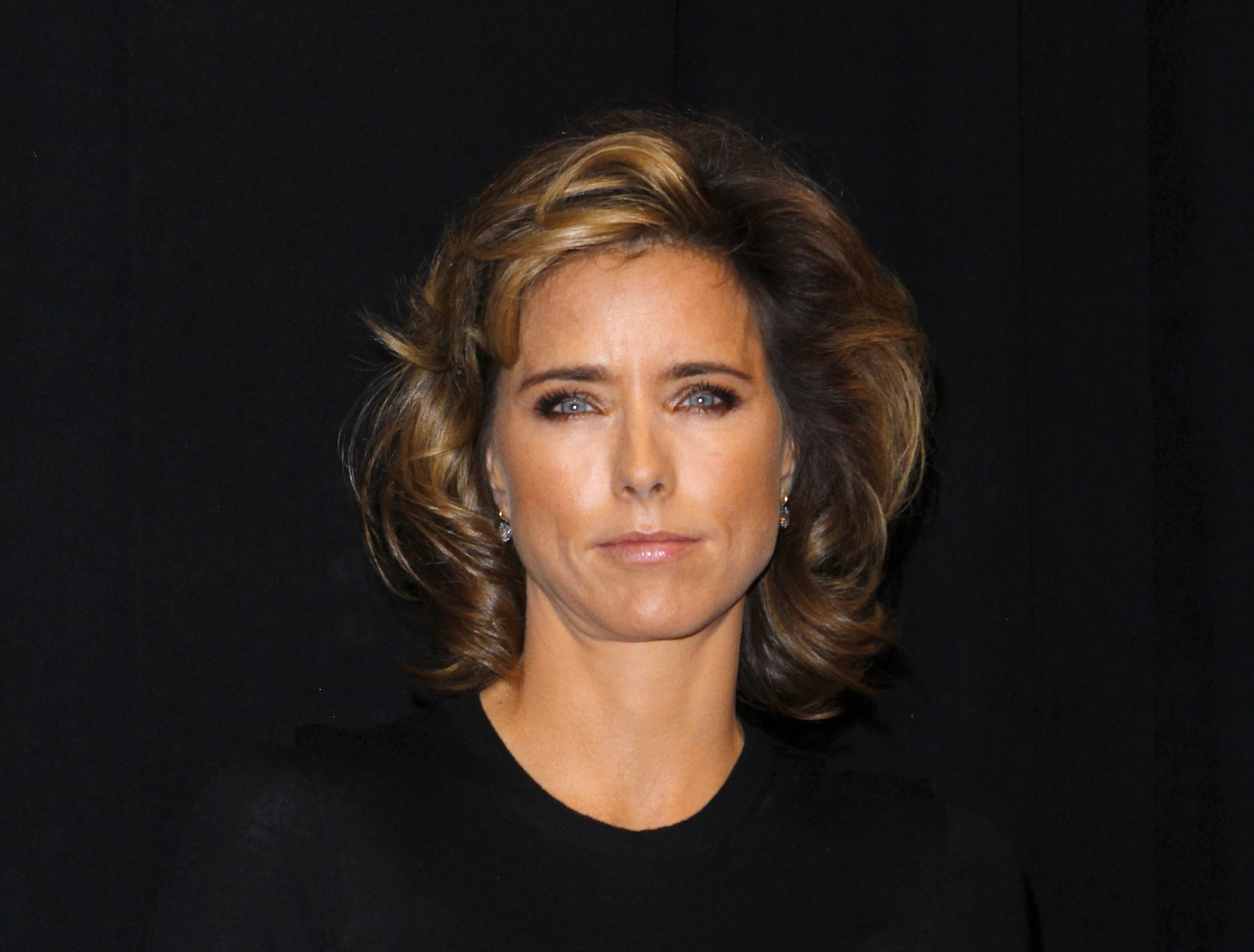 "Tea Leoni attends the world premiere of ""Tower Heist"" at the Ziegfeld Theatre on October 24, 2011 in New York City. 