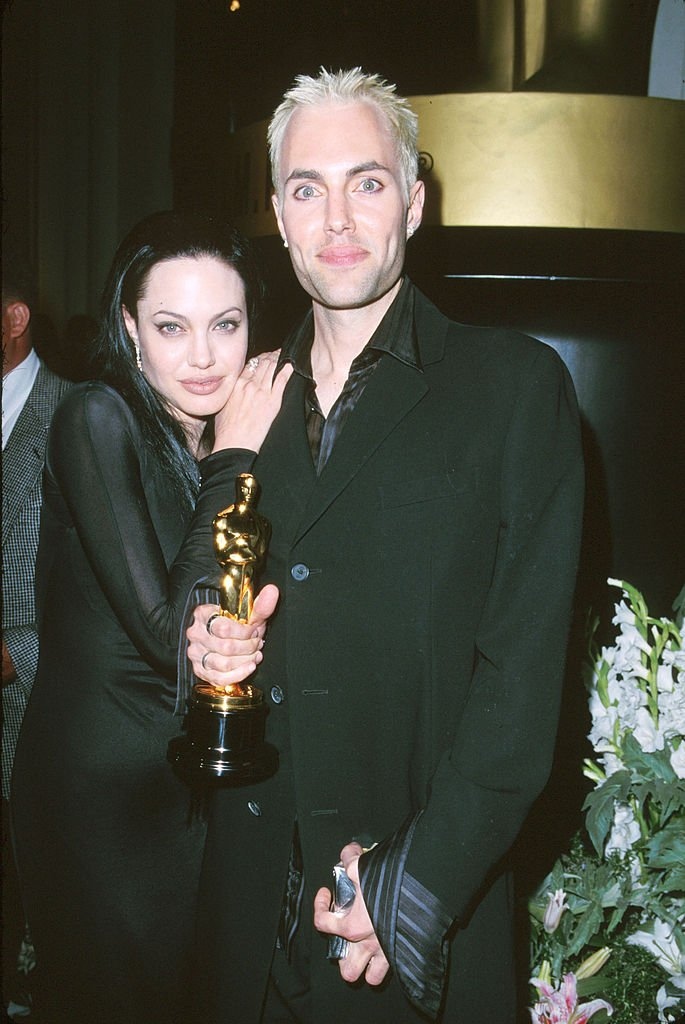Angelina Jolie & James Haven at the 72nd Annual Academy Award on March 26, 2000 | Photo: Getty Images