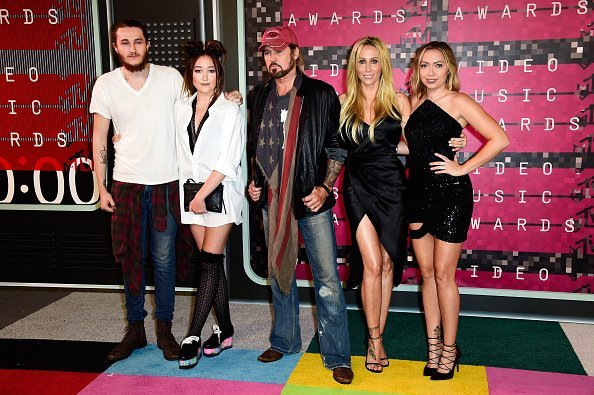 Braison Cyrus, producer Tish Cyrus, actress Noah Cyrus, recording artist Billy Ray Cyrus and actress Brandi Glenn Cyrus attend the 2015 MTV Video Music Awards at Microsoft Theater on August 30, 2015, in Los Angeles, California.   Source: Getty Images.