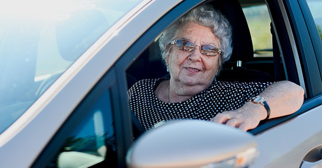 Daily Joke: An Elderly Lady Was Driving a Car at Only 35mph