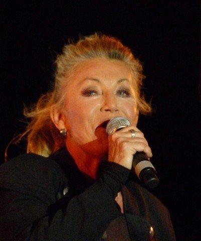 La photo de Sheila en 2012 | Source: Wikipedia