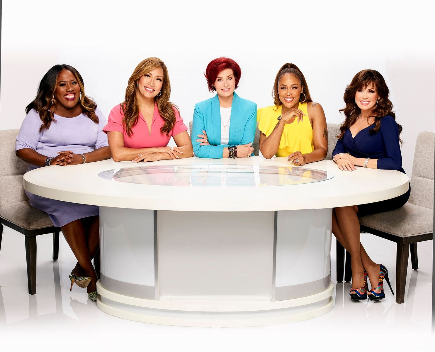"""Sheryl Underwood, Carrie Ann Inaba, Sharon Osbourne, Eve Cooper, and Marie Osmond, hosts of """"The Talk"""" posing for a photo on September 04, 2019 