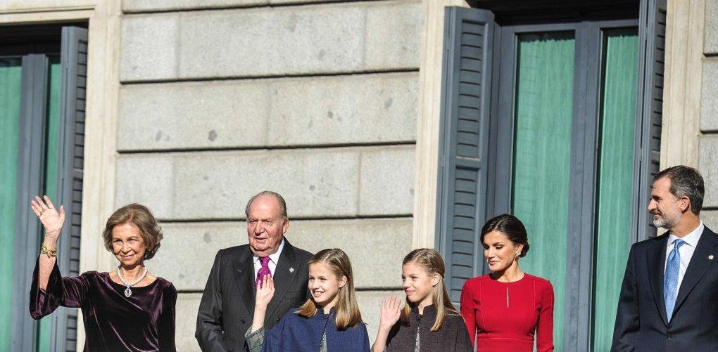 La familia celebra los 40 años de democracia en España.| Fuente. Getty Images