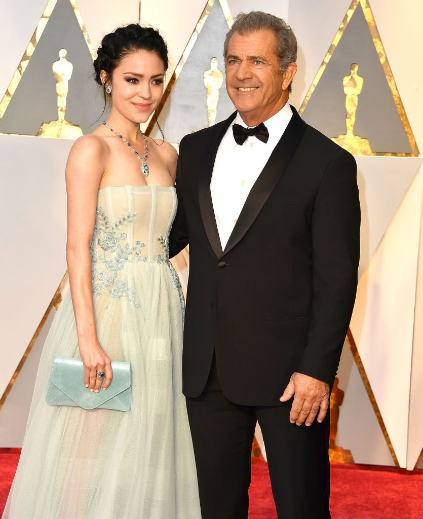 Mel Gibson, Rosalind Ross arrives at the 89th Annual Academy Awards at Hollywood & Highland Center | Photo: Getty Images