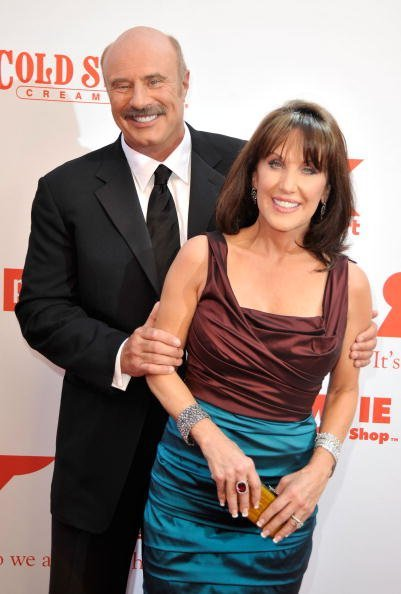 Dr. Phil McGraw and Robin McGraw at The Orpheum Theatre on August 30, 2009 in Los Angeles, California. | Photo: Getty Images