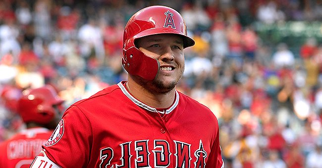 Mike Trout of the Los Angeles Angels Sets an Example by Wearing a Face Mask during Practice (Photo)