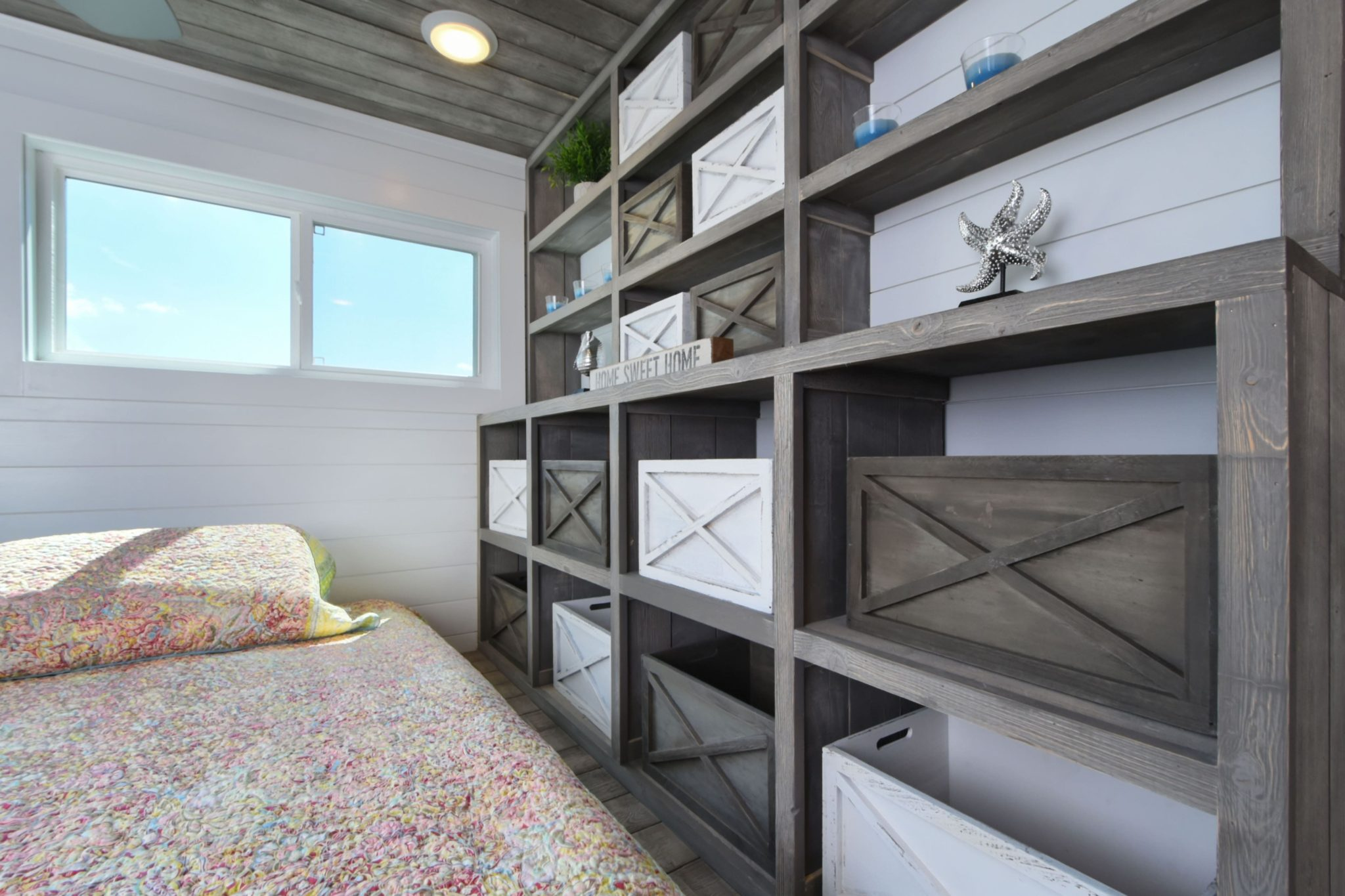 There's plenty of storage in the room.  | Photo: Harbor Cottage House Boats.