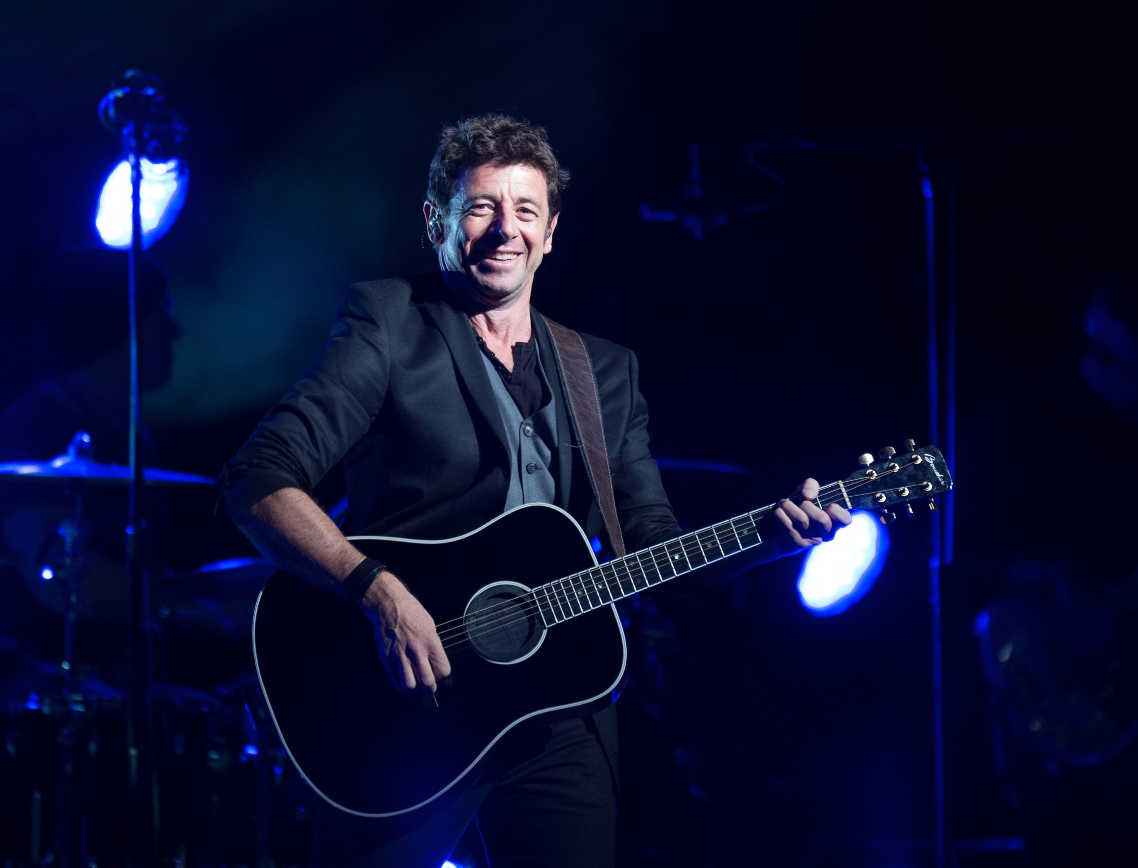 Le chanteur Patrick Bruel en concert. l Source : Getty Images