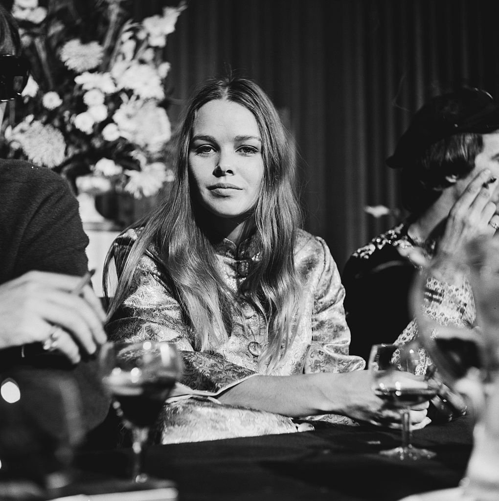 American singer and actress Michelle Phillips of American folk rock group The Mamas & The Papas at a press conference   Photo: Getty Images