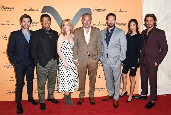 Wes Bentley, Gil Birmingham, Kelly Reilly, Kevin Costner, Cole Hauser, Kelsey Chow, and Luke Grimes at Lombardi House on May 30, 2019 in Los Angeles, California. | Photo: Getty Images