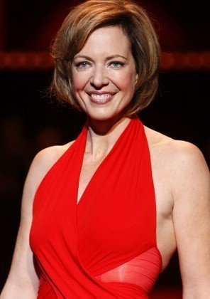 Allison Janney modeling at The Heart Truth Fashion Show 2008. | Source: Wikimedia Commons