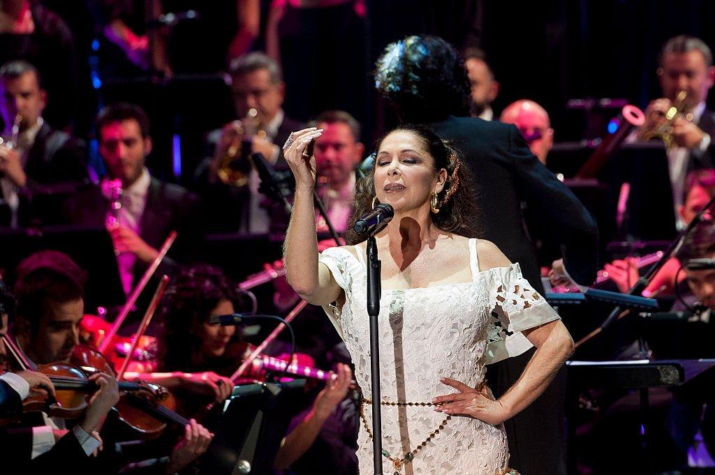 Isabel Pantoja en concierto.  Imagen tomada de: Getty Images/Global Images Ukraine