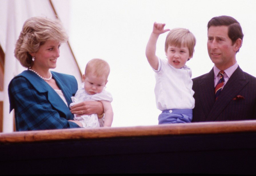 Princess Diana with Prince Charles, William and Harry at a function | Photo: Getty Images