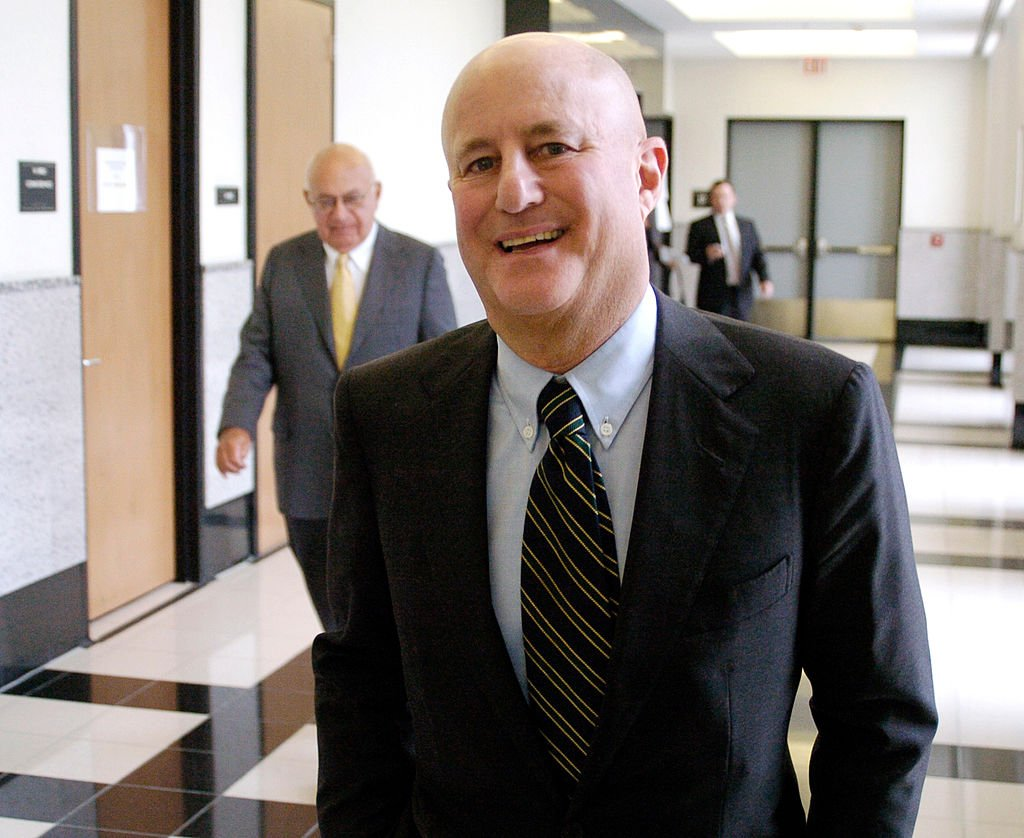 Ronald Perelman strolls the hallway of Palm Beach County Court on Wednesday, May 18, 2005   Photo: Getty Images