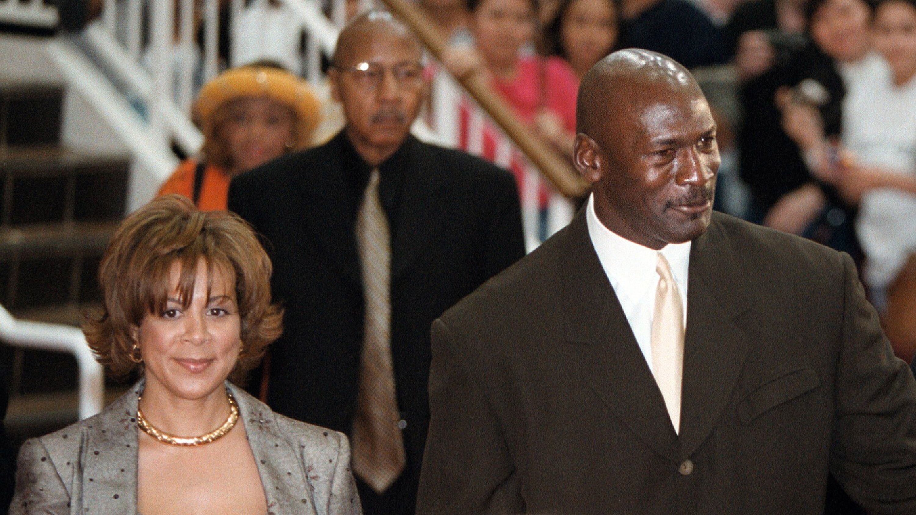 "Michael Jordan and his wife Juanita arrive for the world premier of the IMAX movie ""Michael Jordan To The Max."" 