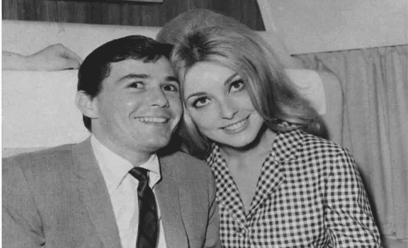 Sharon et son amie Jay Sebring | photo: Getty Images