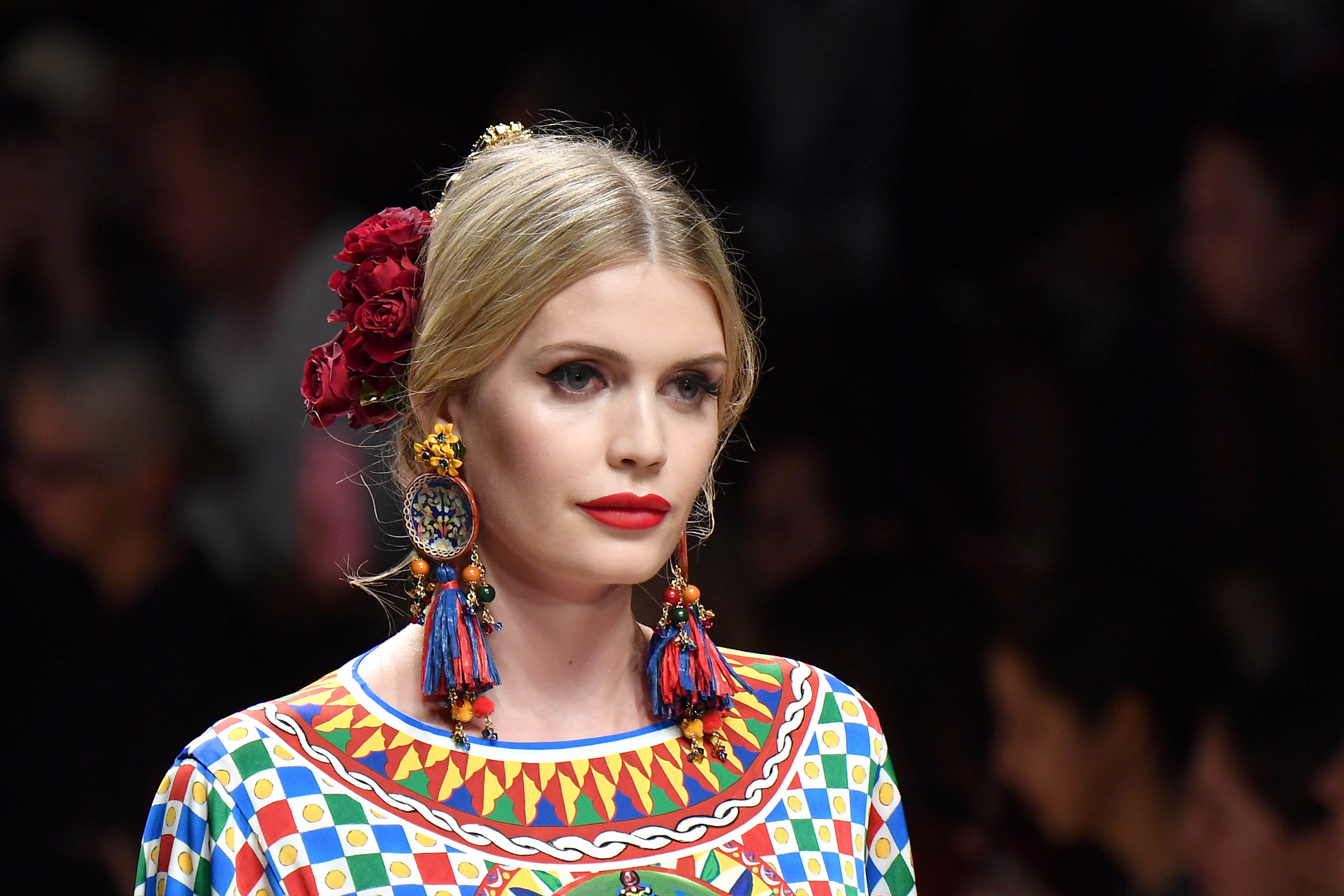 Kitty Spencer walks the runway at the Dolce & Gabbana show during Milan Fashion Week Spring/Summer 2019 on September 23, 2018 | Photo: GettyImages