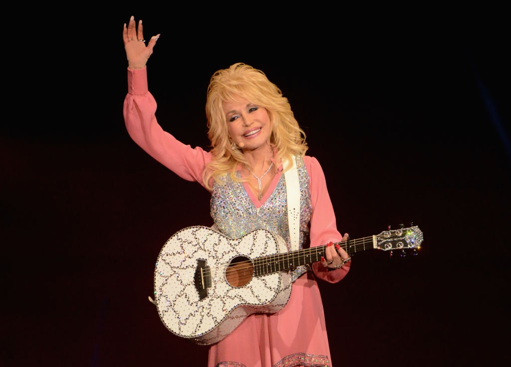 Dolly Parton during her 2014 performance at the Echo Arena in Liverpool, U.K. | Photo: Getty Images