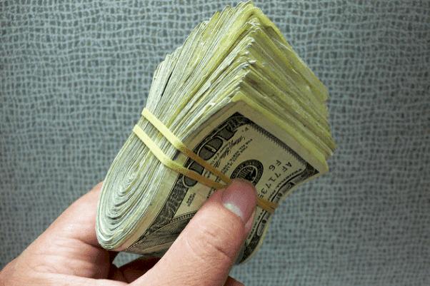 Los delincuentes son los que cobran el dinero-Imagen tomada de Flickr,