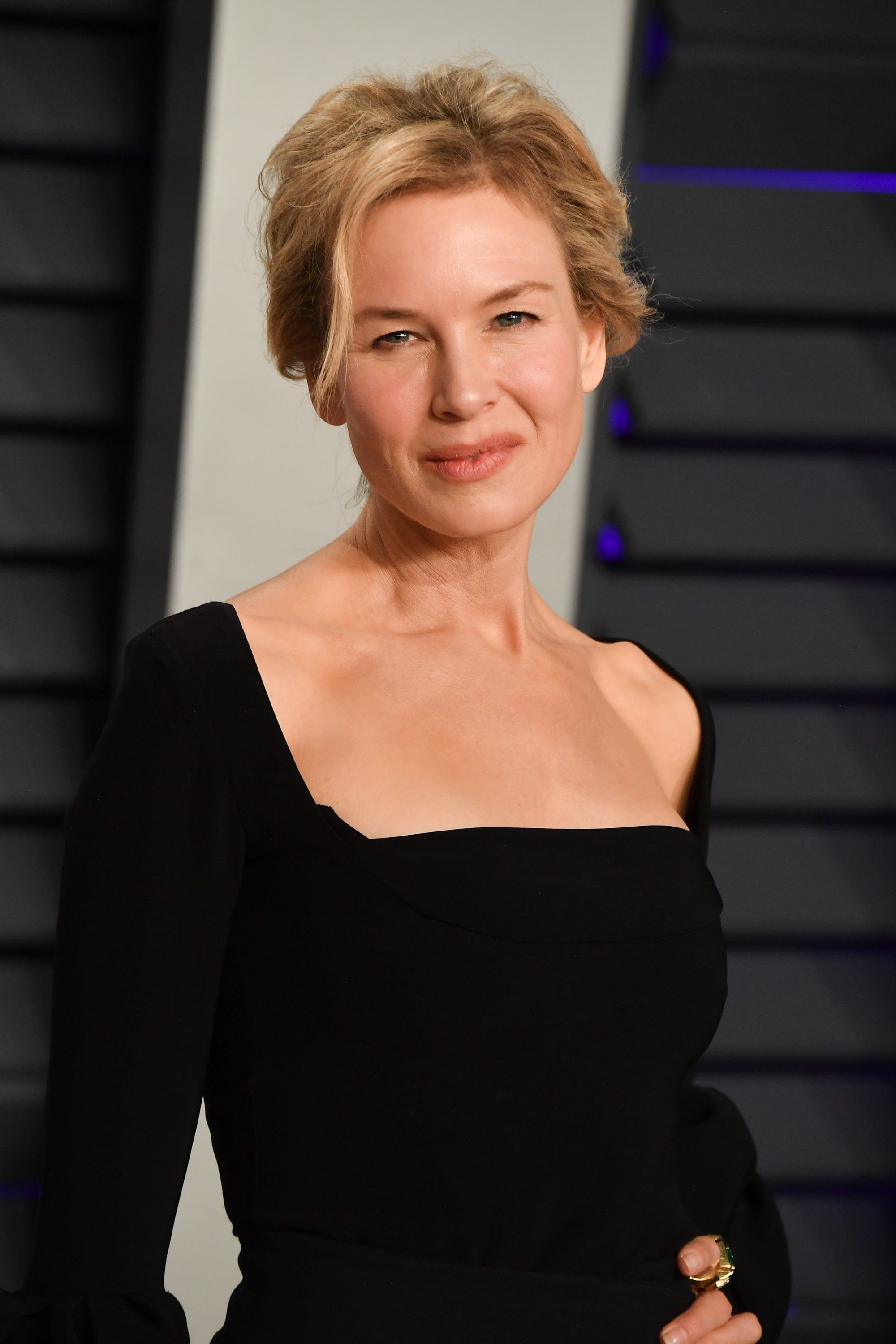 Renee Zellweger attends the 2019 Vanity Fair Oscar Party hosted by Radhika Jones at Wallis Annenberg Center for the Performing Arts on February 24, 2019, in Beverly Hills, California. | Source: Getty Images.