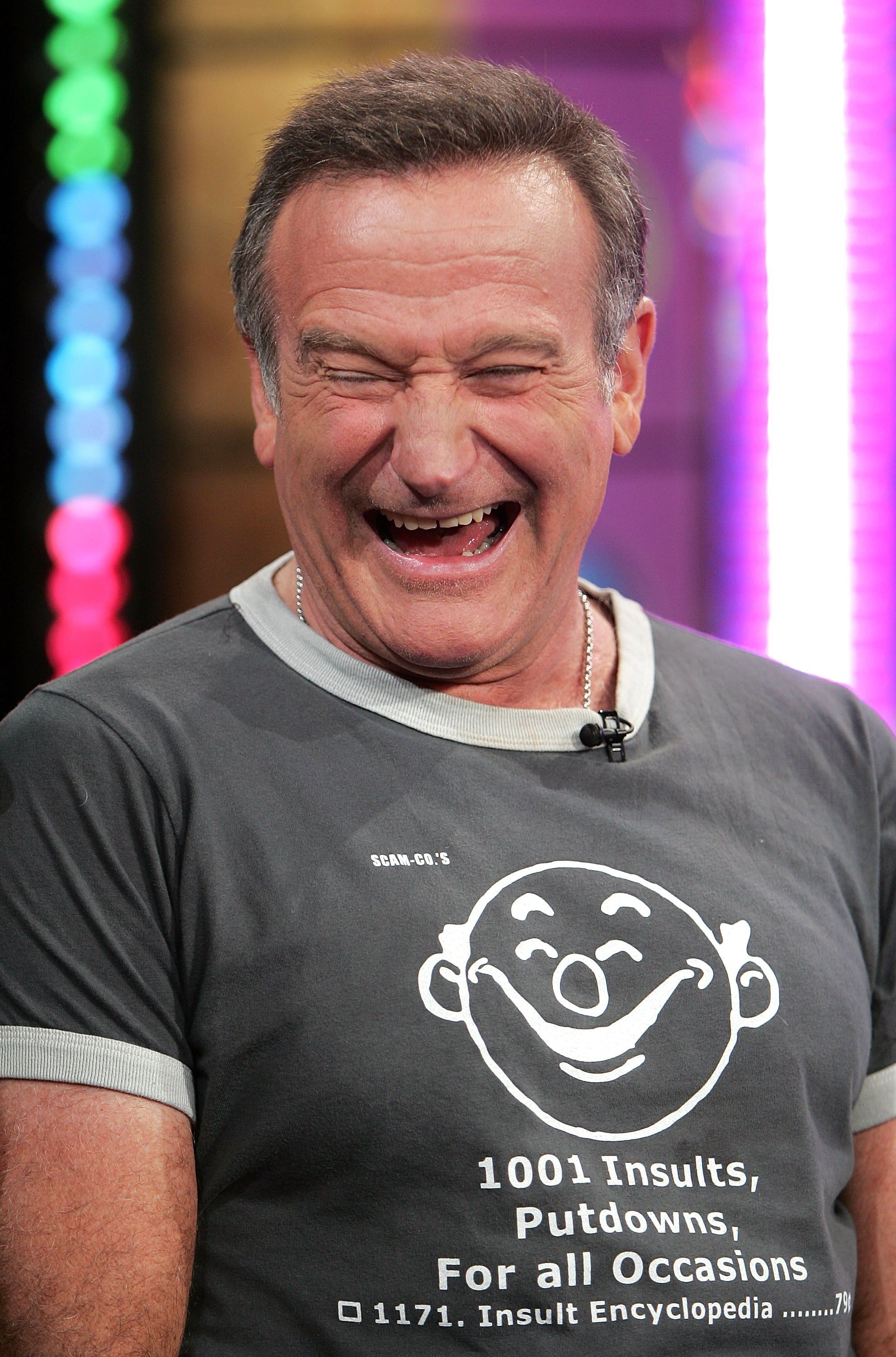 Robin Williams appears onstage during MTV's Total Request Live. | Source: Getty Images