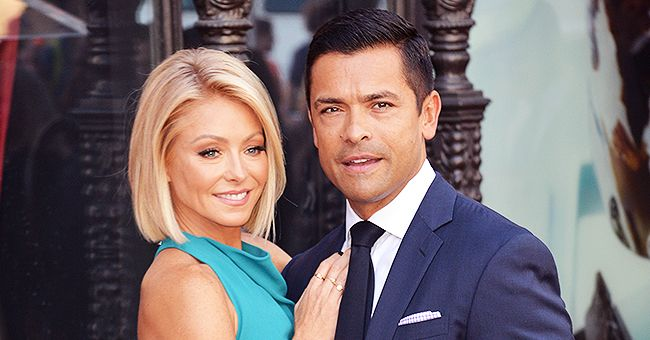Kelly Ripa & Daughter Lola Got Gorgeous Bouquets from Mark Consuelos for Valentine's Day