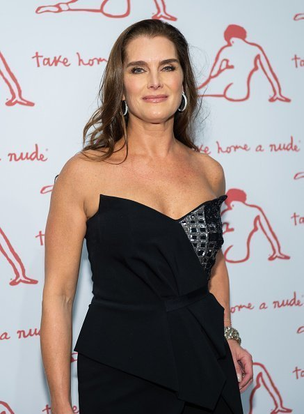 Brooke Shields at the 2019 New York Academy Of Art Gala on October 15, 2019   Photo: Getty Images