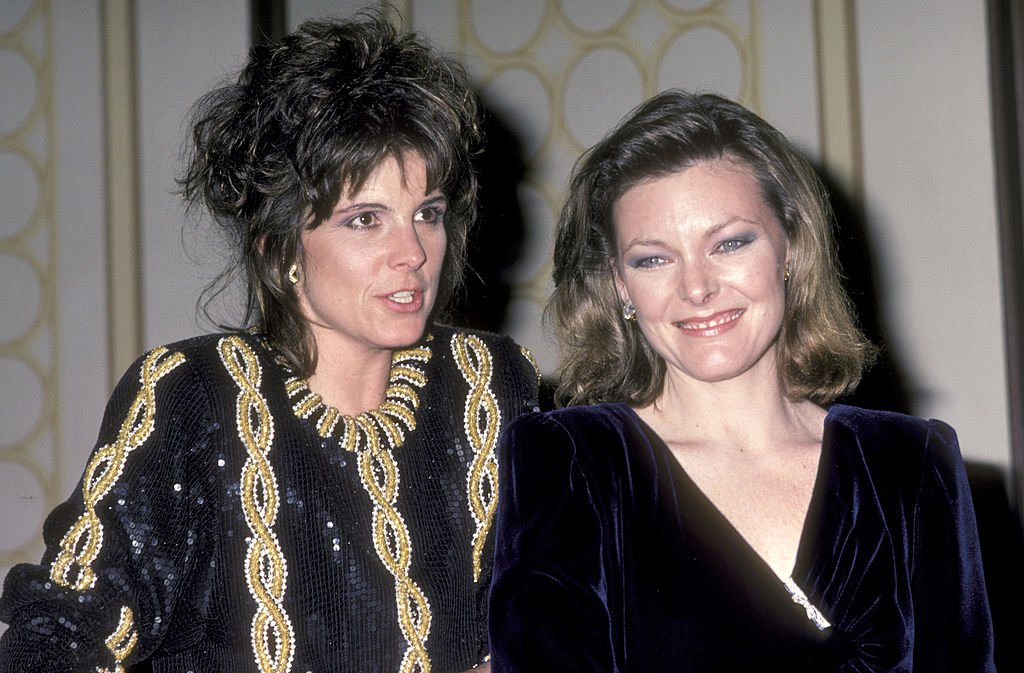 Susan Saint James and Jane Curtin attend the 25th Annual International Broadcasting Awards on March 19, 1985 at Century Plaza Hotel in Los Angeles, California  | Photo: GettyImages