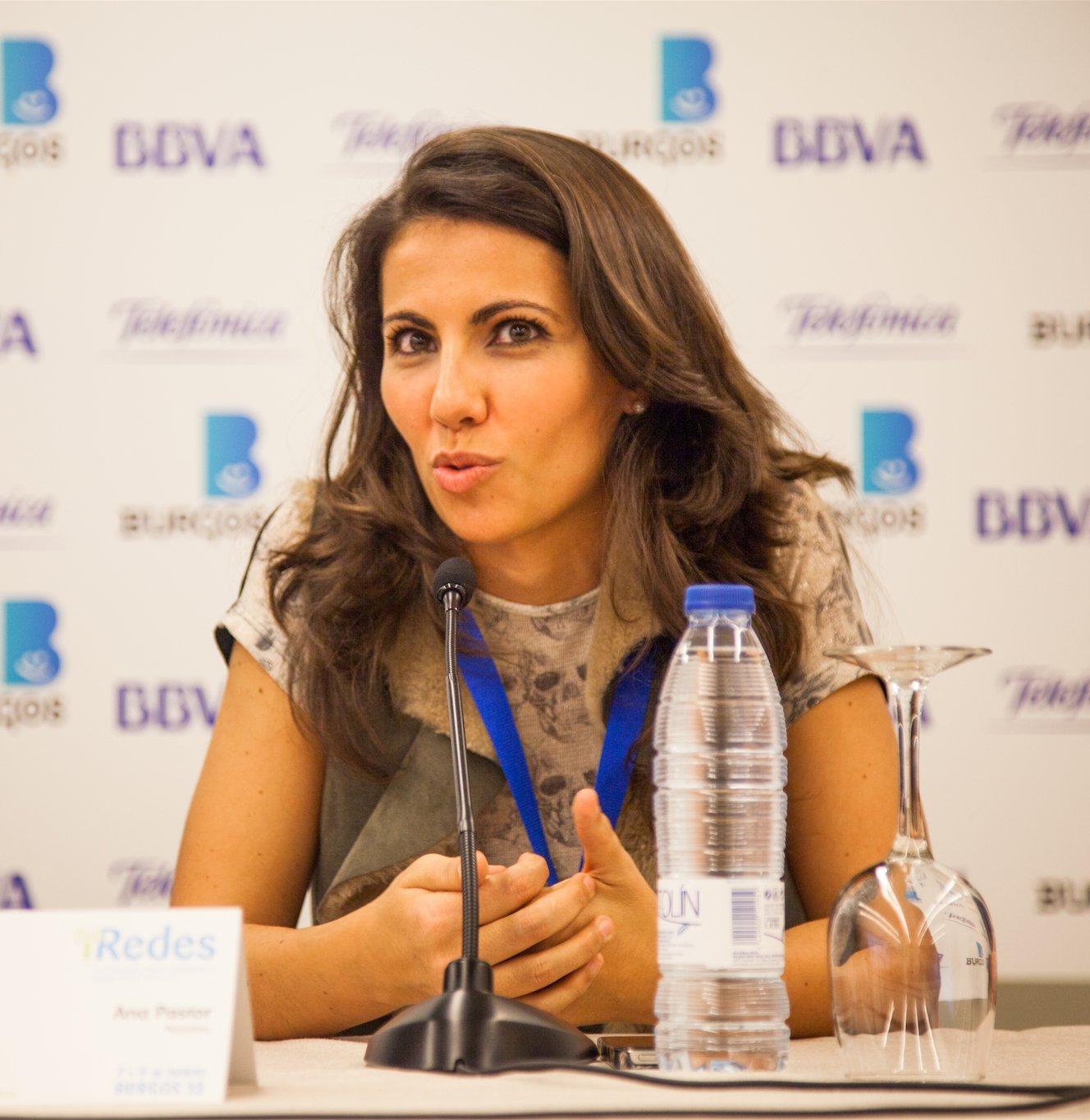 Periodista Ana Pastor asistió al evento iRedes en 2013. | Foto: Wikimedia