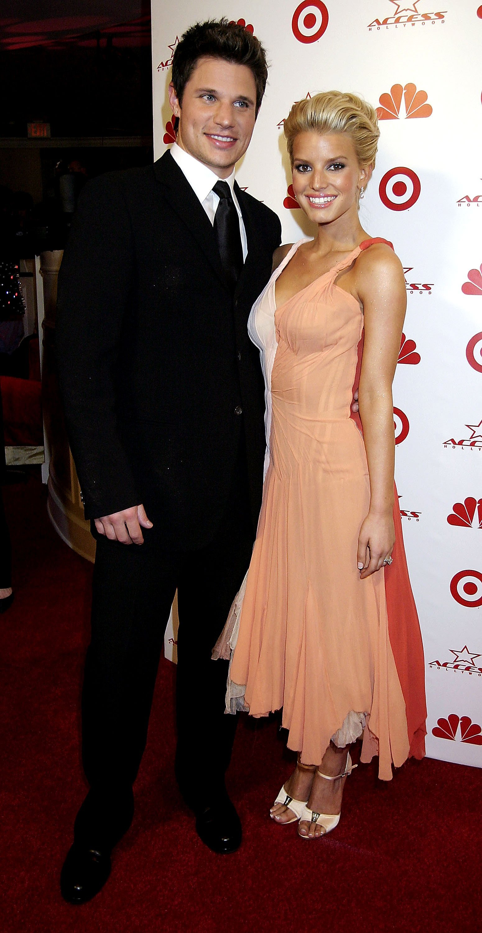 Nick Lachey and Jessica Simpson attend NBC's Access Hollywood Golden Globe Party, January 25, 2004, in Hollywood, California. | Source: Getty Images.