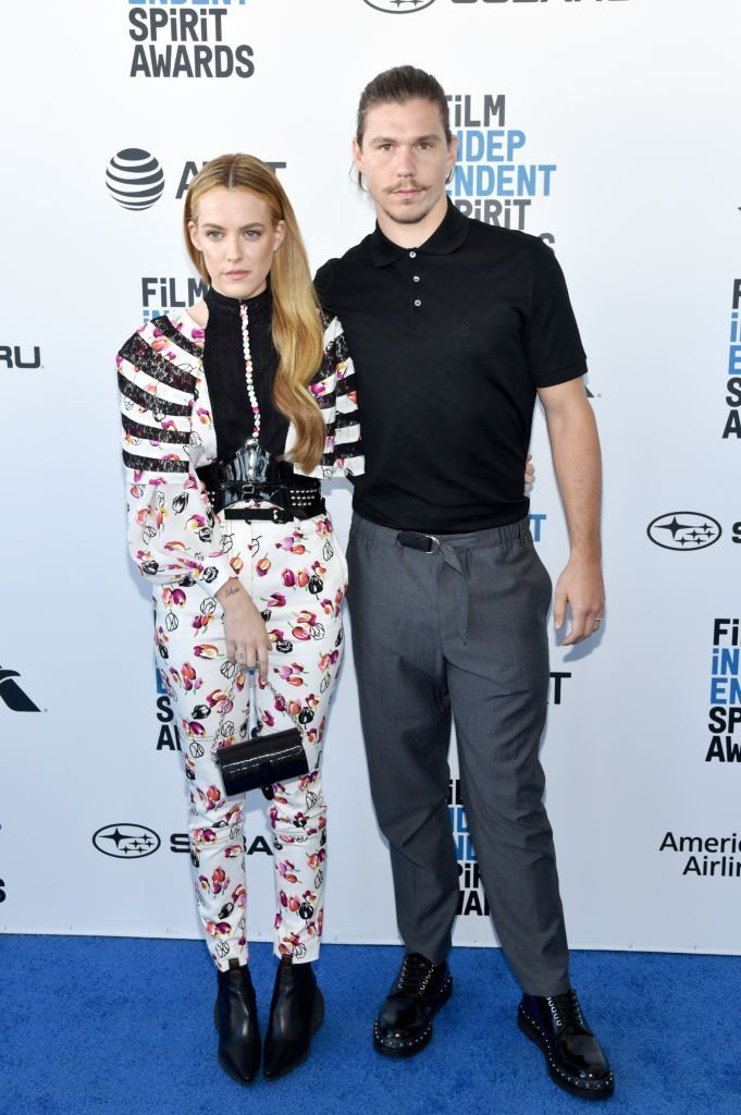 Riley Keough and Ben Smith-Peterson attend the 2019 Film Independent Spirit Awards | Getty Images