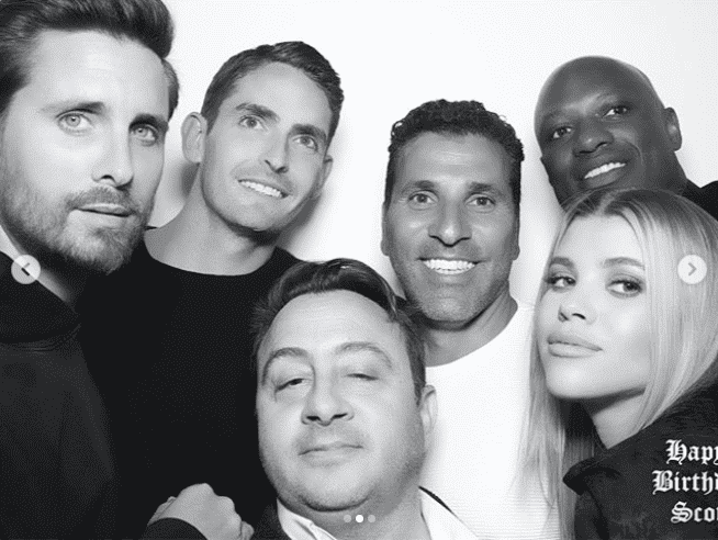 Scott, Sofia, and a few friends posing together during Scott's birthday party | Source: Instagram/sofiarichie