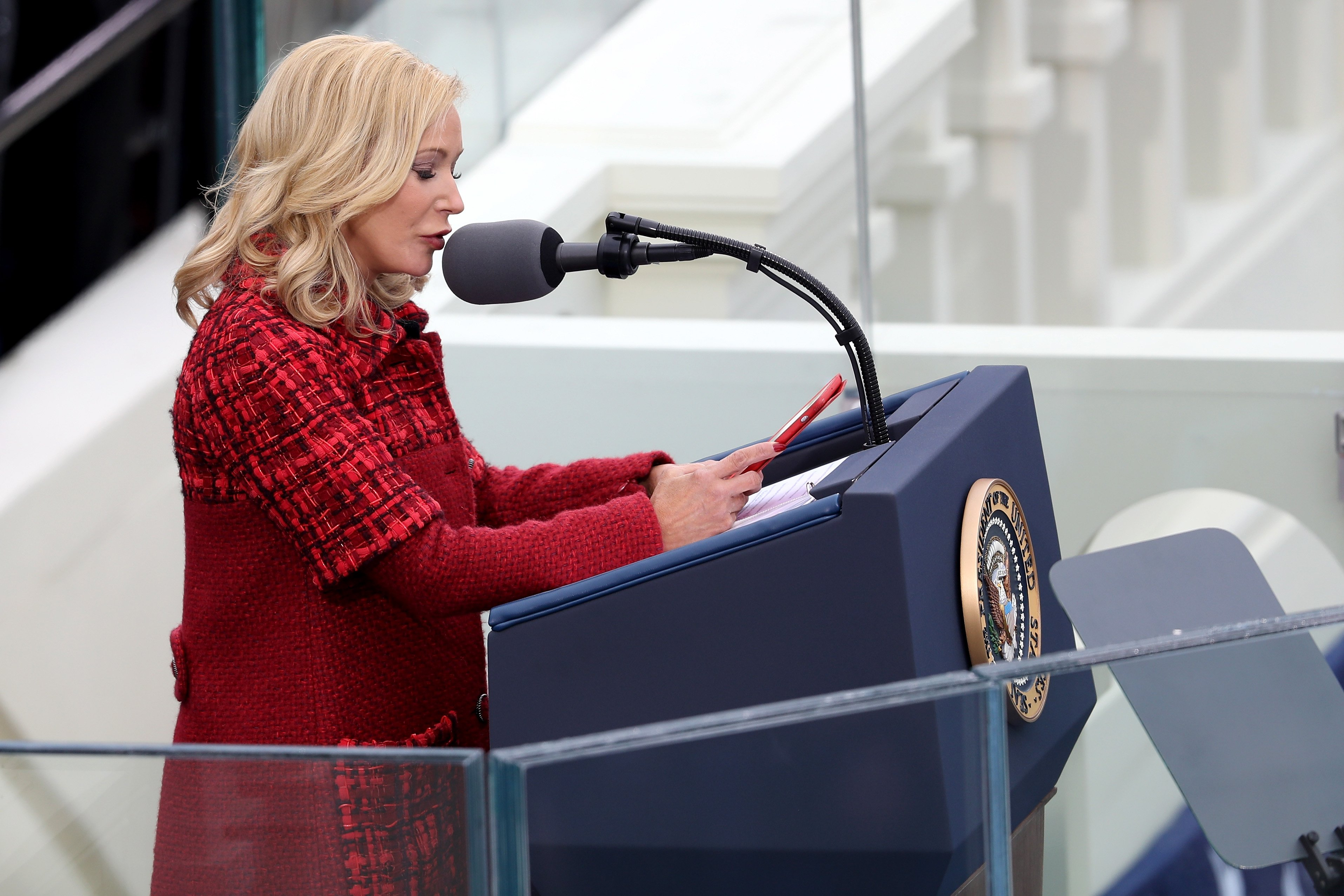 Pastor Paula White-Cain speaks on the West Front of the U.S. Capitol on January 20, 2017 in Washington, DC. | Photo: Getty Images
