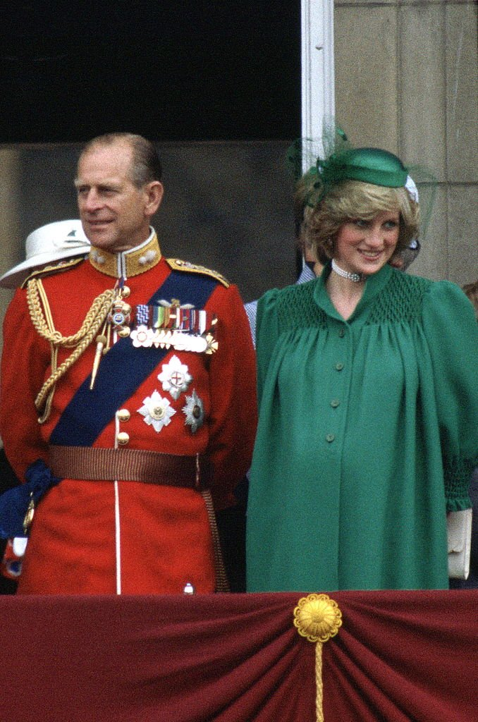A pregnant Princess Diana stands with Prince Philip on the Balcony at Buckingham Palace with the royal family yo watch the Trooping The Colour on June 12, 1982, London, England | Source: Tim Graham Photo Library via Getty Images