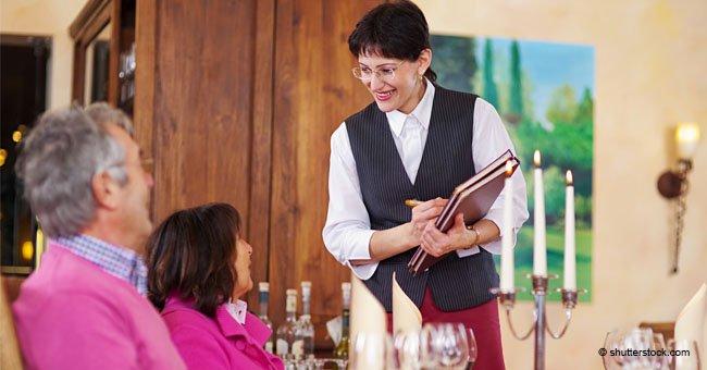 Alte Frau hatte perfekte Antwort, als eine Kellnerin sich weigerte, ihre Bestellung anzunehmen
