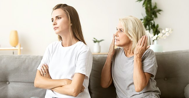 A woman having an argument with her mother | Photo: Shutterstock