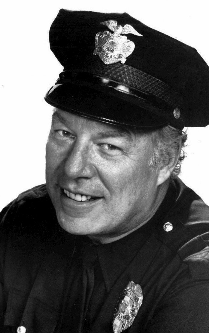 Photo of George Kennedy as Bumper Morgan from the television program The Blue Knight.. | Source: Wikimedia Commons