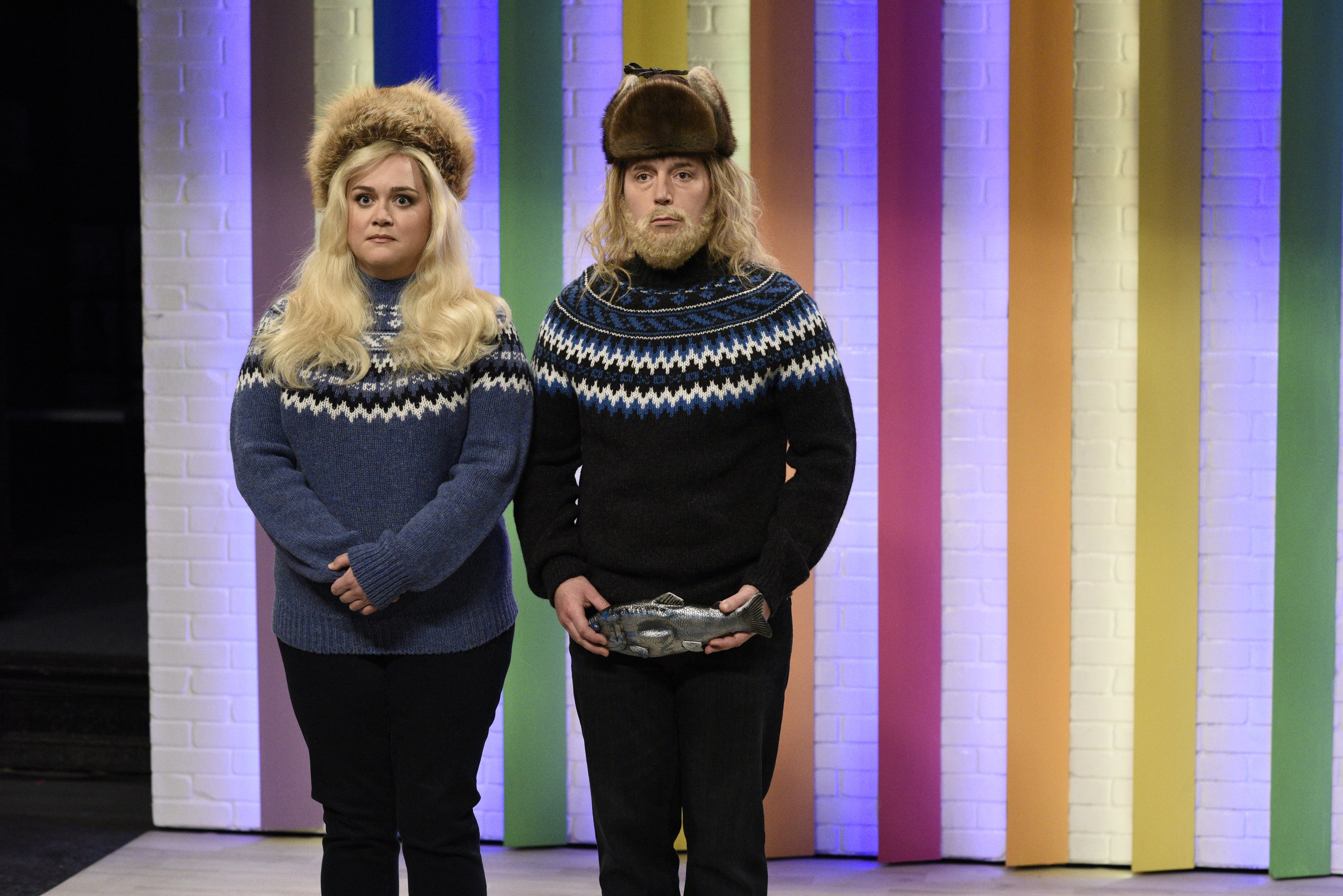 """Lauren Holt and Beck Bennett pictured on episode 1803, season 46 on """"SNL."""" 2021. 