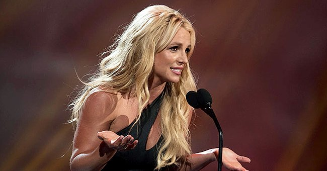 Britney Spears on stage after being honored with the 2017 RDMA 'Icon' Award, April 2017 | Source: Getty Images