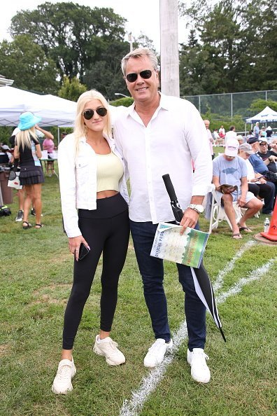 Alba Jancou and Peter Cook attend the East Hampton Artists and Writers Charity Softball Game on August 17, 2019 in East Hampton, New York | Photo: Getty Images