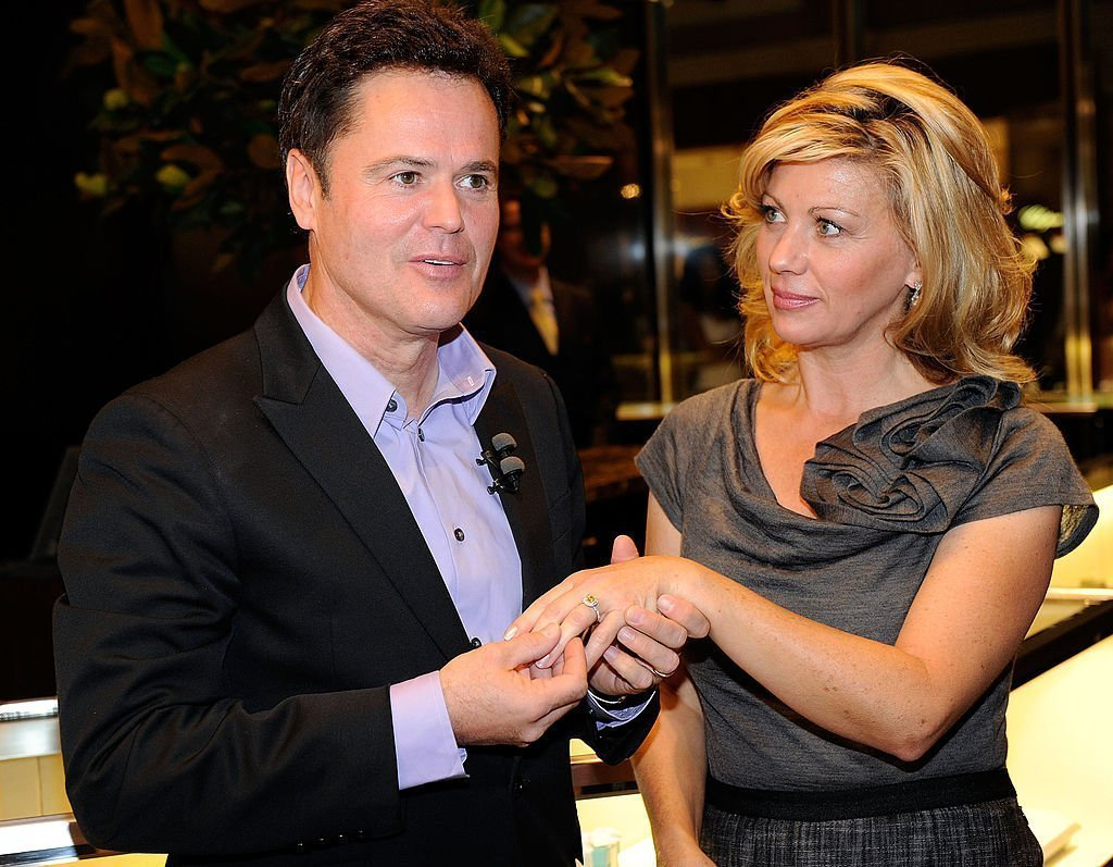 Donny Osmond and Debbie Osmond look at Tiffany & Co. engagement rings on October 10, 2010  | Photo: GettyImages