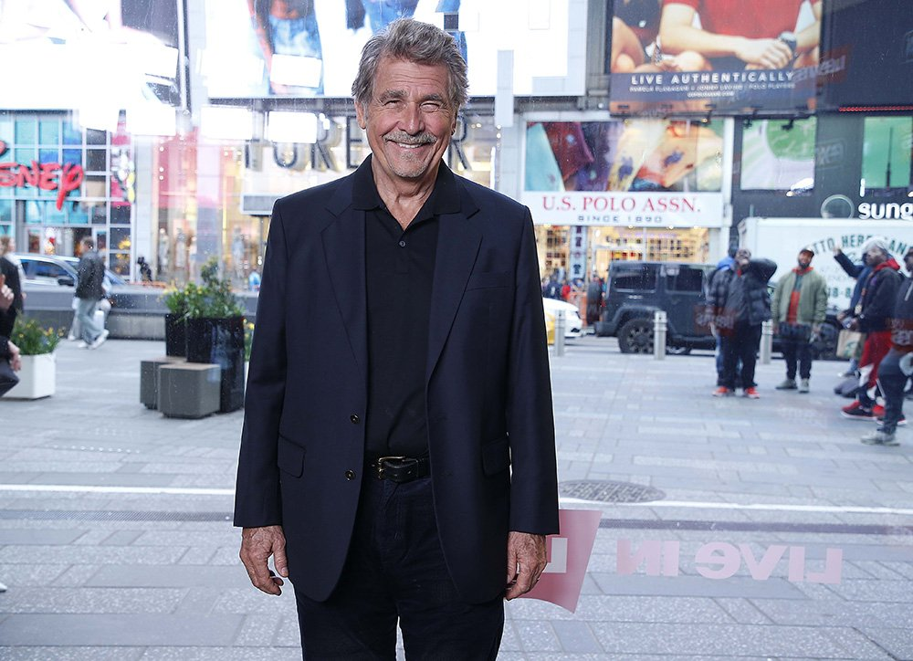 """James Brolin visits """"Extra"""" at The Levi's Store Times Square on April 18, 2019 in New York City. I Image: Getty Images."""